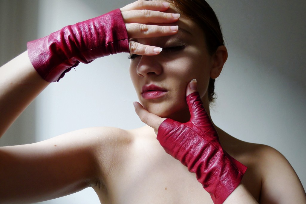 Red Leather, Gloves, Glovettes, Fingerless Gloves, Imoni, Intermix, Driving Gloves, Kid Gloves, Jen Blair, Jennifer Blair, Change Machine